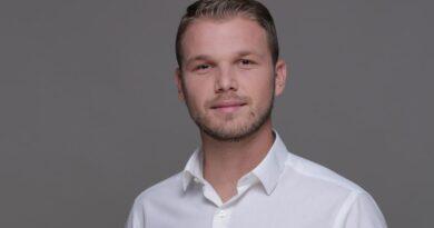 Stanivuković: Uštedama do BESPLATNIH UDŽBENIKA i gradskog prevoza