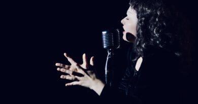 """Izvedena kabaretska predstava """"Edith Piaf"""""""